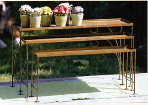 traditional-outdoor-planters